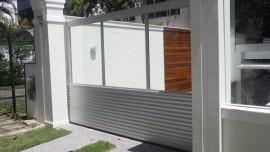 Modelo de portões em alumínio com vidro